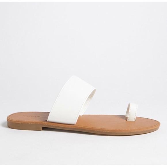 Shoes   White Toe Ring Sandals   Poshmark